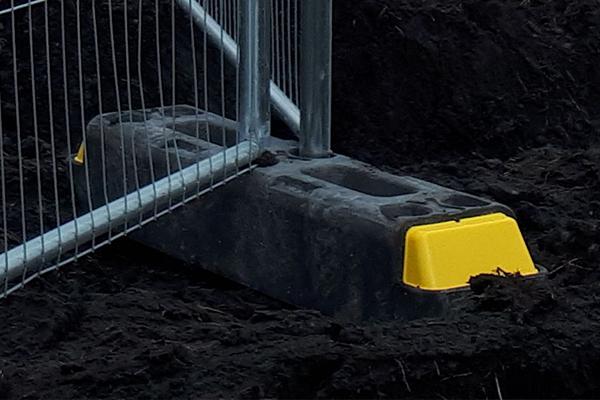 Broadfence's Temporary Fence Hi-Viz Stabilizer